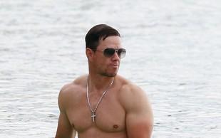 Mark Wahlberg s svojo izklesano postavo še vedno navdušuje oboževalke!