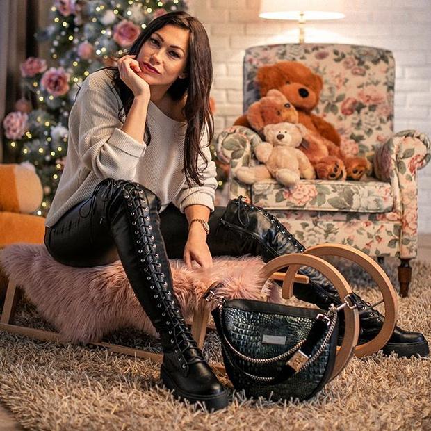 Modna oblikovalka Teja Jeglič ponesreči prespala novo leto (foto: Nostalgia.si)
