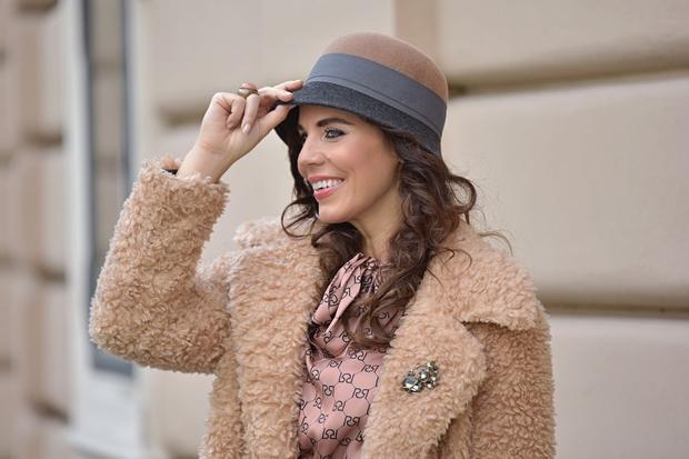 Kaj kupiti na razprodajah? Ne ozirajte se na trende, temveč na stvari, ki jih boste nosili, svetuje Lorella Flego (foto: Zen)