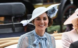 Gola stopala Kate Middleton, prizor, ki se ga le redko vidi