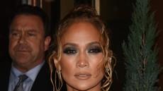 Je Jennifer Lopez s temi kopalkami napovedala poletni trend? Svoje bodo rekle modne poznavalke!