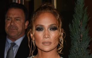 Jennifer Lopez navdušila z drznim dekoltejem!