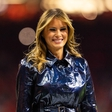 Melania Trump tokrat v plašču, ki je požel modne kritike: Kakšen pa se zdi vam?