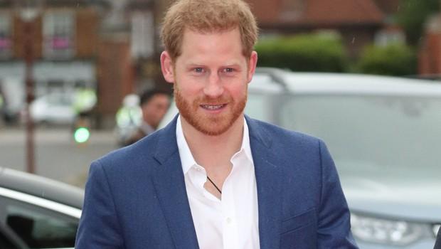 Princ Harry naj bi z nekaterimi prijatelji prekinil stike (foto: Profimedia)