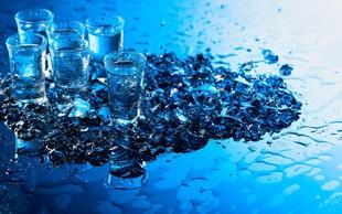 Vodka ni samo alkoholna pijača, v pravi kombinaciji je lahko odlično čistilo!