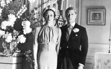 Poročna slika zaljubljenega para. Na poroki ni bilo nikogar od kraljeve družine.