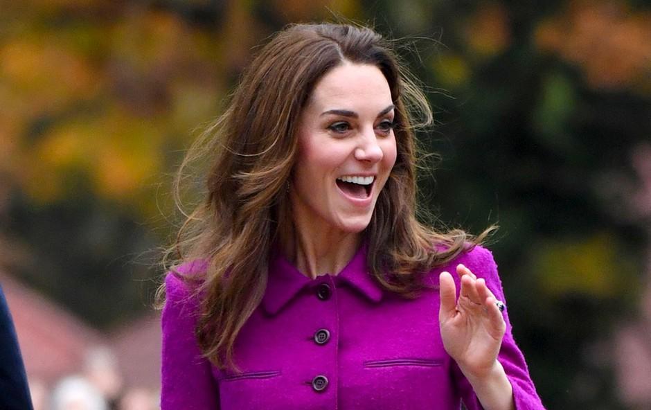 Krilo Kate Middleton, ki je v hipu postalo modni hit (foto: Profimedia)
