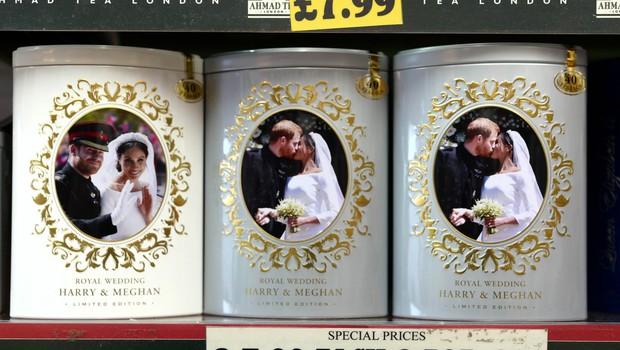 Prek spleta ni več mogoče kupiti spominkov s poroke princa Harryja in Meghan Markle (foto: Profimedia)