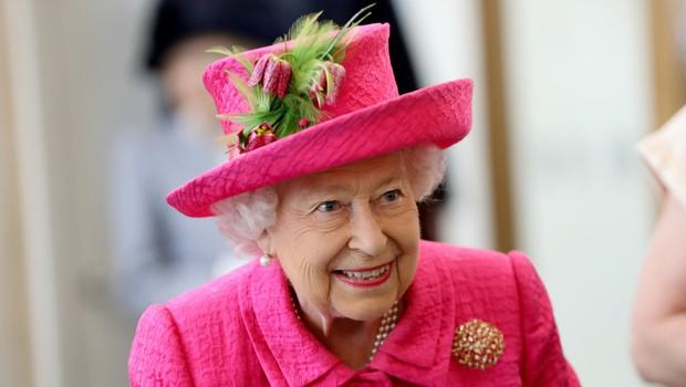 Na dan prišlo, kako kraljico Elizabeto ljubkovalno kliče princ George (foto: Profimedia)