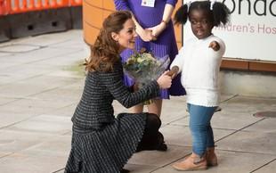 Še ena modna kombinacija Kate Middleton, ki je odlična za hladne zimske dni