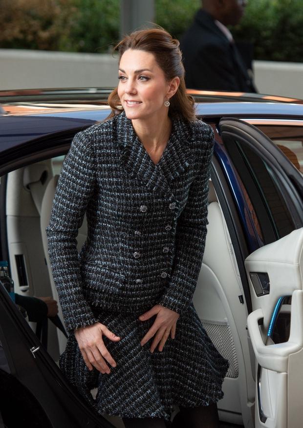 Vsi se sprašujejo, zakaj Kate Middleton ni nosila zaročnega prstana (foto: Profimedia)