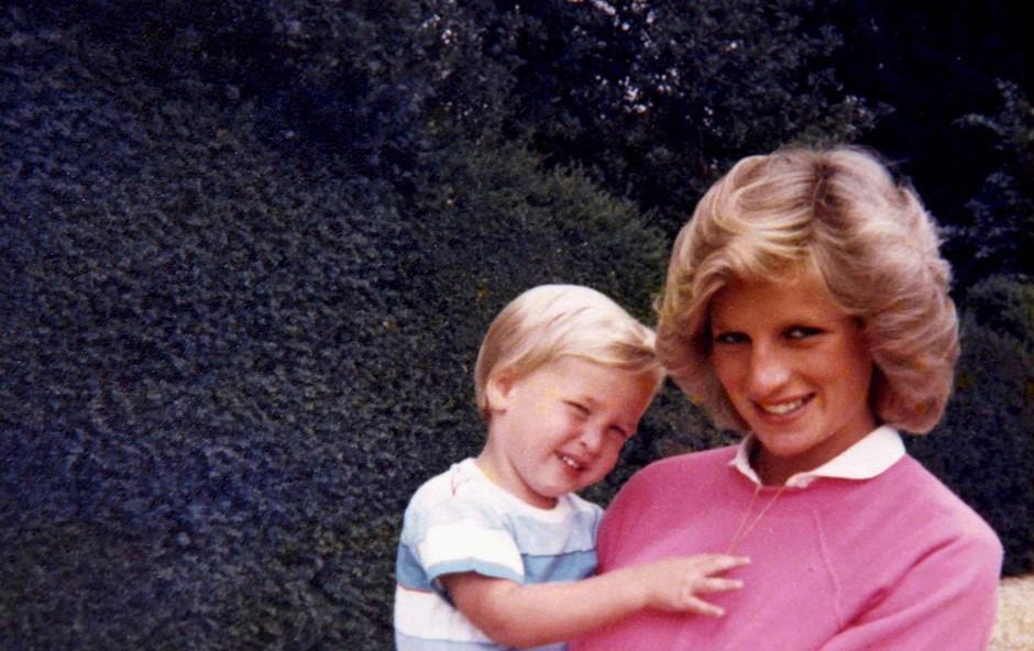 Pojavil se je ganljiv posnetek princese Diane s takrat 3-letnim sinom Williamom, ob tem boste dobili solzne oči (foto: Profimedia)
