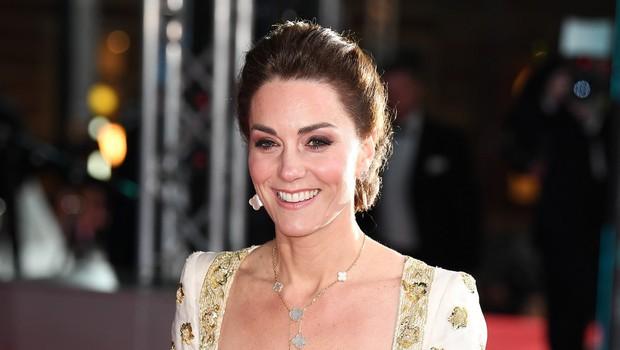 Vojvodinja Kate Middleton presenetila z globokim dekoltejem (foto: Profimedia)
