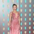 Najlepši dekolte na rdeči preprogi pokazali Scarlett Johansson in Charlize Theron