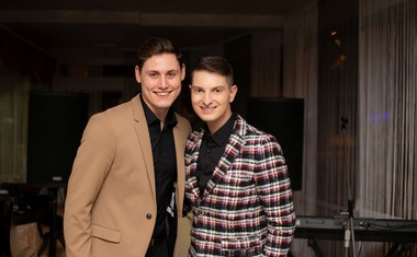 Plesalec Arnej Ivkovič je prijatelju Damjanu ob polnoči pripravil posebno presenečenje.