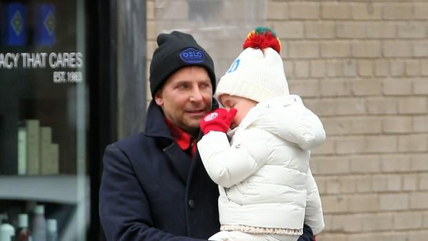 Je Bradleyja Cooperja vzvišenost veliko stala? Ostal naj bi brez prijateljev (foto: Profimedia)