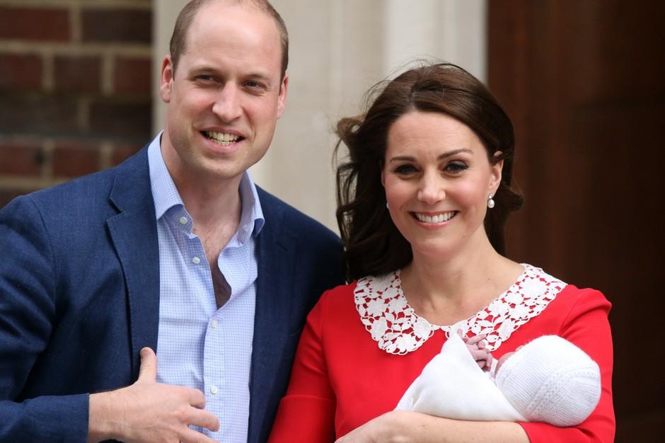 Kate Middleton povedala grenko resnico o tej fotografiji, ki je takoj po porodu obšla ves svet (foto: Profimedia)