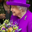 Kraljica Elizabeta priznala, da je nekoč tudi sama nosila zobni aparat