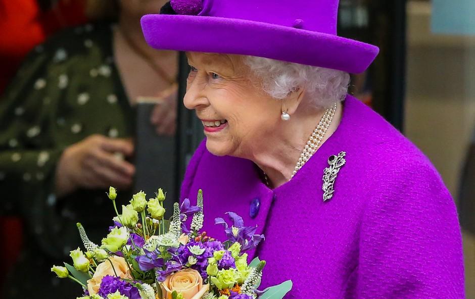 Kraljica Elizabeta priznala, da je nekoč tudi sama nosila zobni aparat (foto: Profimedia)