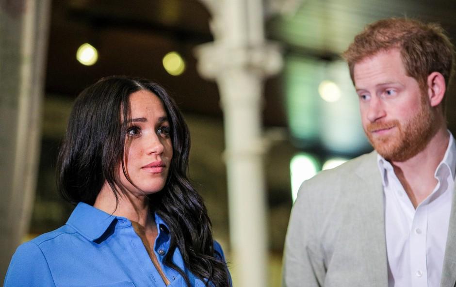 Meghan Markle si je spet v laseh s kraljico Elizabeto, katera bo tokrat zmagala (foto: Profimedia)