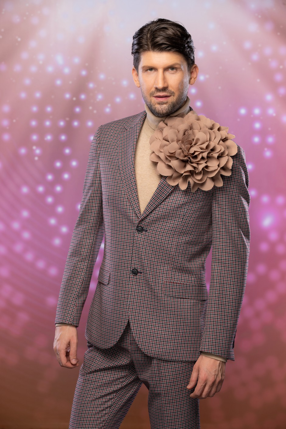 Bo naš zvezdnik zaradi šova Zvezde plešejo ostal brez Pesmi Evrovizije? (foto: Ana Gregorič / POP TV)