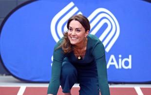 Kate Middleton v takšni modni kombinaciji le redko vidimo, a ji izjemno lepo pristoji