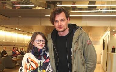 Igralec Primož Bezjak je na predstavo pripeljal svojo hčerko.