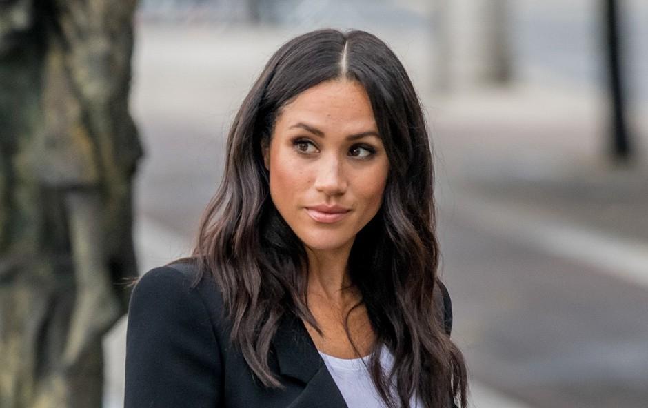 Meghan Markle prihaja v London, a brez princa Archieja, kraljica zelo razočarana (foto: Profimedia)