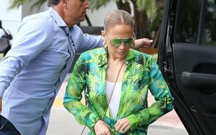 Jennifer Lopez legendarno obleko zdaj nosila še v drugačni modni kombinaciji in osupnila