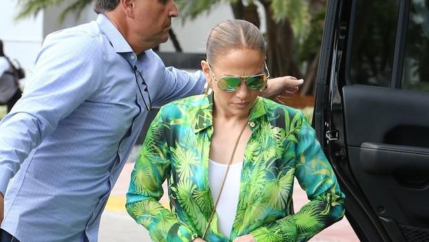 Jennifer Lopez legendarno obleko zdaj nosila še v drugačni modni kombinaciji in osupnila (foto: Profimedia)