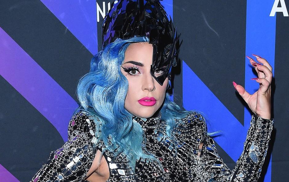 Lady Gaga je z novim fantom zelo srečna (foto: Profimedia)