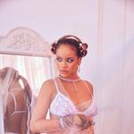 Rihanna je ponovno navdušila v seksi spodnjem perilu (foto: Profimedia)