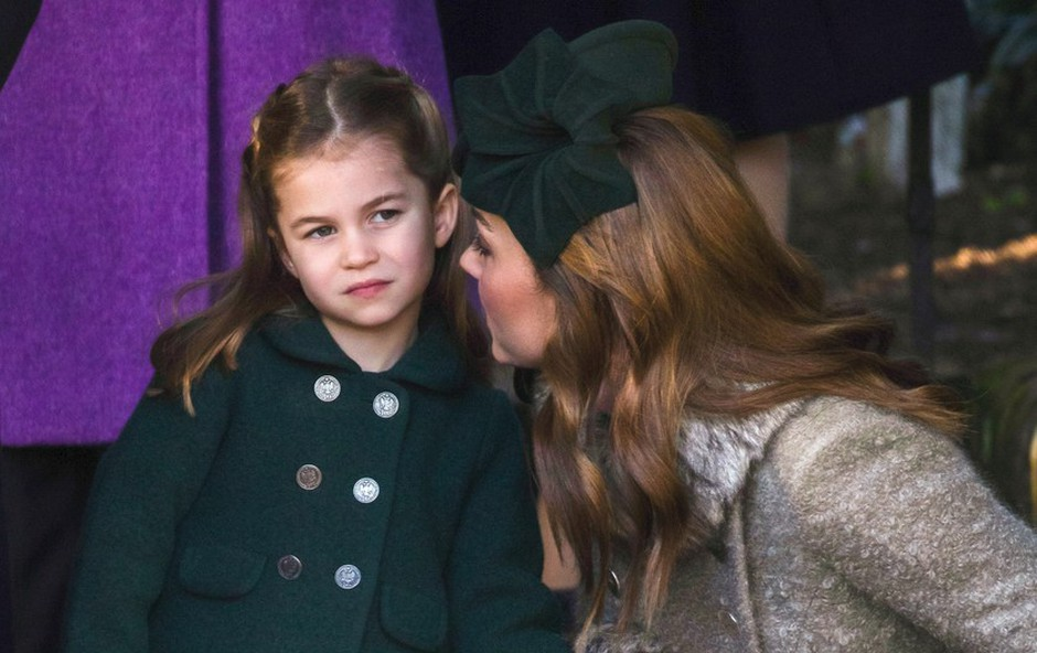 Vojvodinja Kate kot učiteljica: Svojim otrokom pomaga pri šolskih obveznostih (foto: Profimedia)