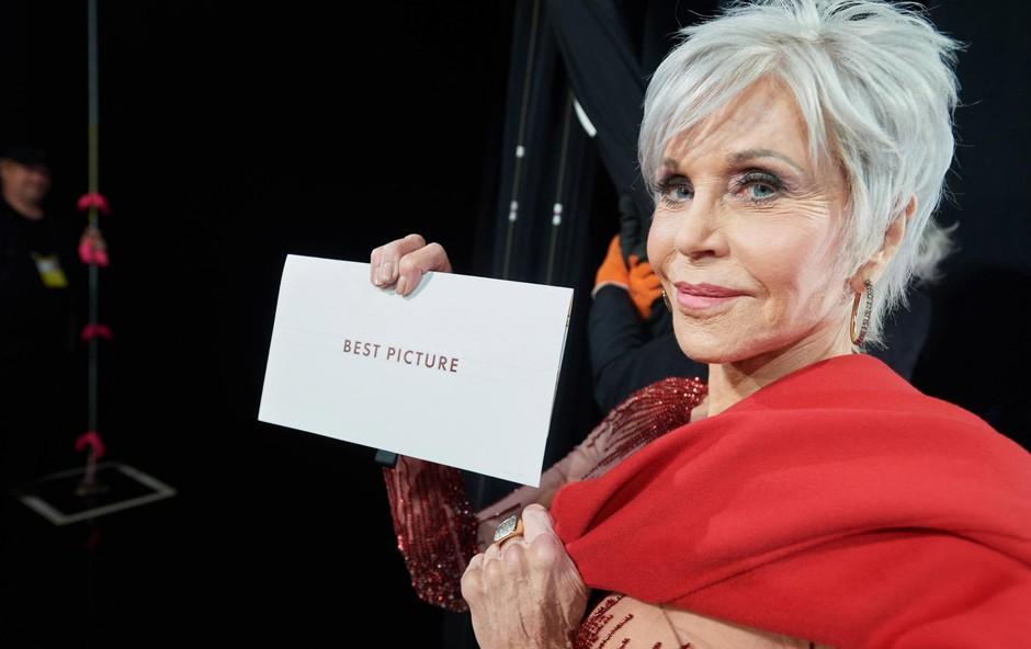 Jane Fonda na letošnji podelitvi oskarjev. (foto: Richard Harbaugh/Picturelux/Profimedia)