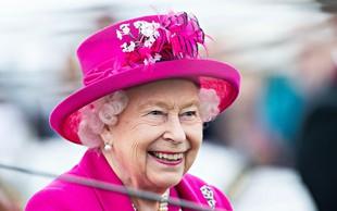 Kraljica Elizabeta se je s to obleko verjetno poklonila princesi Diani