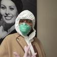 Poglejte si, kako se je Naomi Campbell uspela zaščititi pred koronavirusom