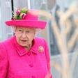 """Končno se je zgodilo! Kraljica Elizabeta se je odzvala na intervju princa Harryja in Meghan: """"Žalostni smo."""""""