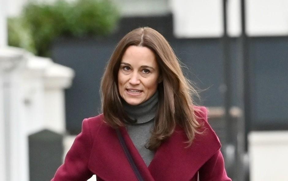 Sestra Kate Middleton pod lažnim imenom klicala taksi, a jo je taksist hitro razkrinkal (foto: Profimedia)