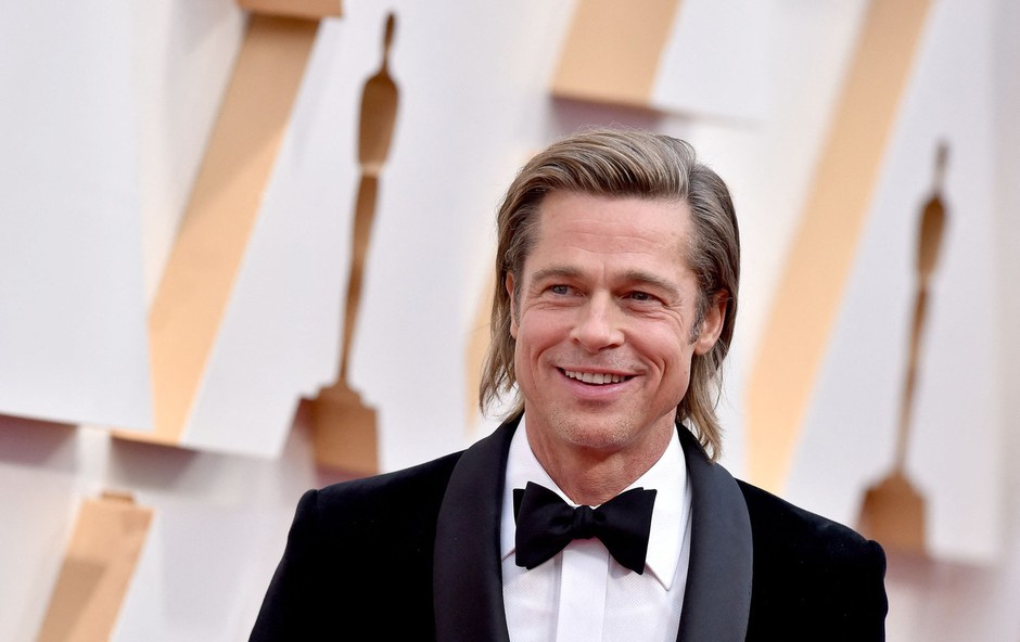 Opa! Kaj se dogaja med Bradom Pittom in Sandro Bullock? Kemija je več kot očitna! (foto: Profimedia)