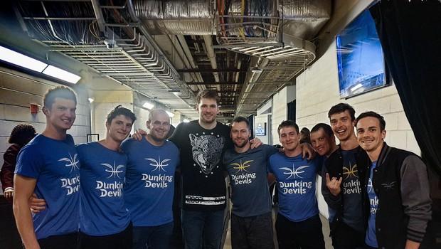 Dallas začutil Slovenijo skupaj z Dunking Devils! (foto: Promocijsko gradivo)