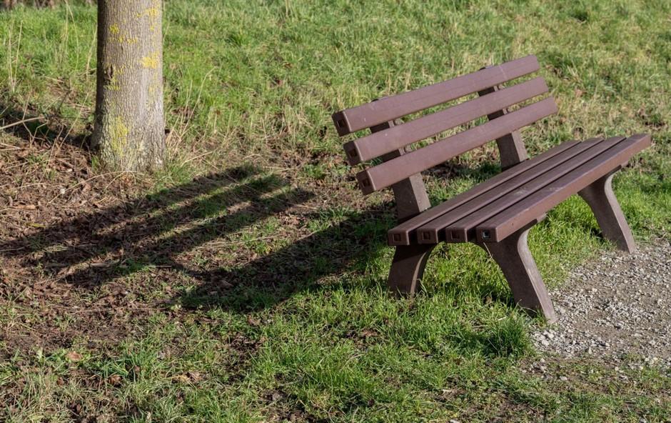 Velja prepoved zbiranja in gibanja na javnih površinah (foto: Profimedia)