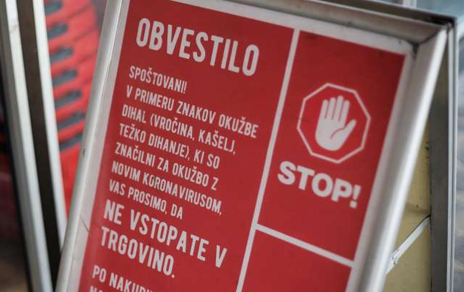 Grožnje in pritiski v trgovinah: V Mercatorju kupce pozivajo k strpnosti (foto: STA/Daniel Novaković)