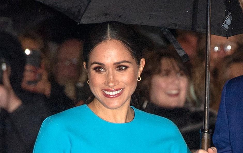 Kraljica Elizabeta Meghan Markle nikoli ni dovolila nositi svojega nakita, Kate Middleton je to vedno lahko delala (foto: Profimedia)