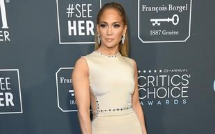 Jennifer Lopez pokazala izklesan trebušček in kako trenira v času karantene