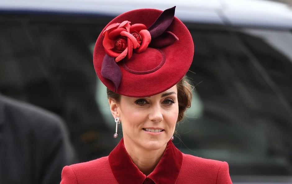 Kate Middleton po dolgem času pokazala malega princa Louisa, ki je pravi mali lepotec (foto: Profimedia)