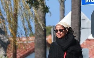 Mama Meghan Markle se ne boji koronavirusa, po ulicah hodi brez zaščitne maske