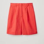 Kratke hlače COS # 69 EUR (foto: Foto: Promocijsko Gradivo)