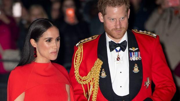 Princa Harryja in Meghan je govor kraljice zelo ganil (foto: Profimedia)