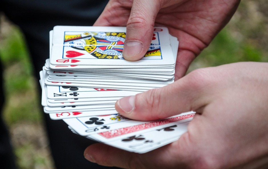 Vedeževanje s pomočjo igralnih kart: Poglejte, kako lahko to veščino osvojite tudi vi! (foto: Profimedia)