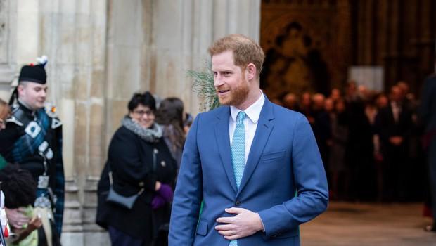 Princ Harry se že sooča s spremembami v svojem življenju, opustil je tudi svoj priimek (foto: Profimedia)